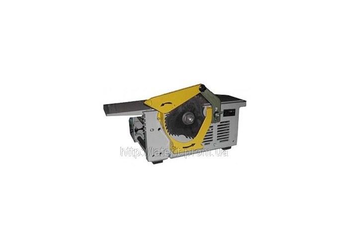 Деревообрабатывающий станок ИЭ-6009 А4 (2,4 кВт) ориентирован на работу прежде всего в бытовых условиях и на мелких...